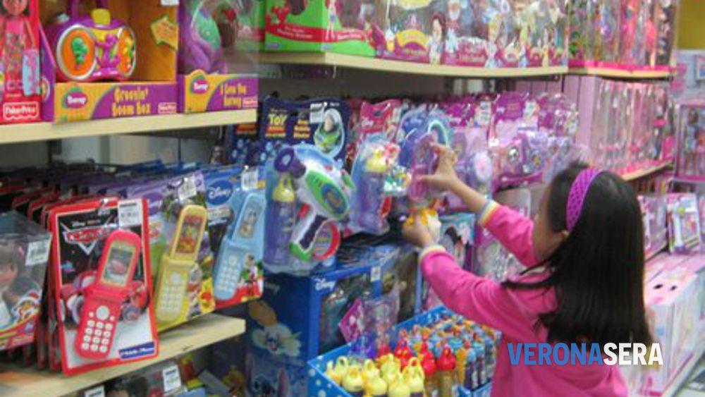 Verona, Natale e solidarietà: organizzato centro raccolta giocattoli per bambini poveri