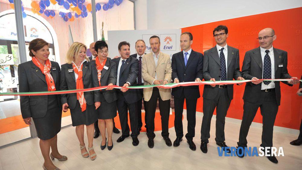 Inaugurato Il Nuovo Punto Enel In Piazza San Niccolo A Verona