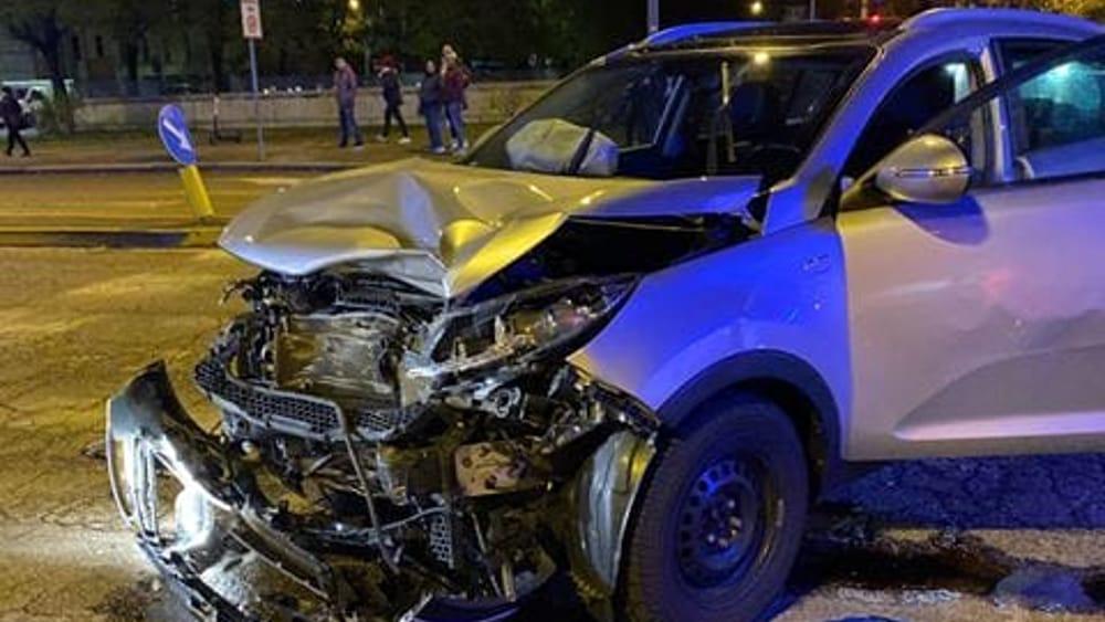 Scontro tra due auto a Verona in via Città di Nimes - Verona Sera