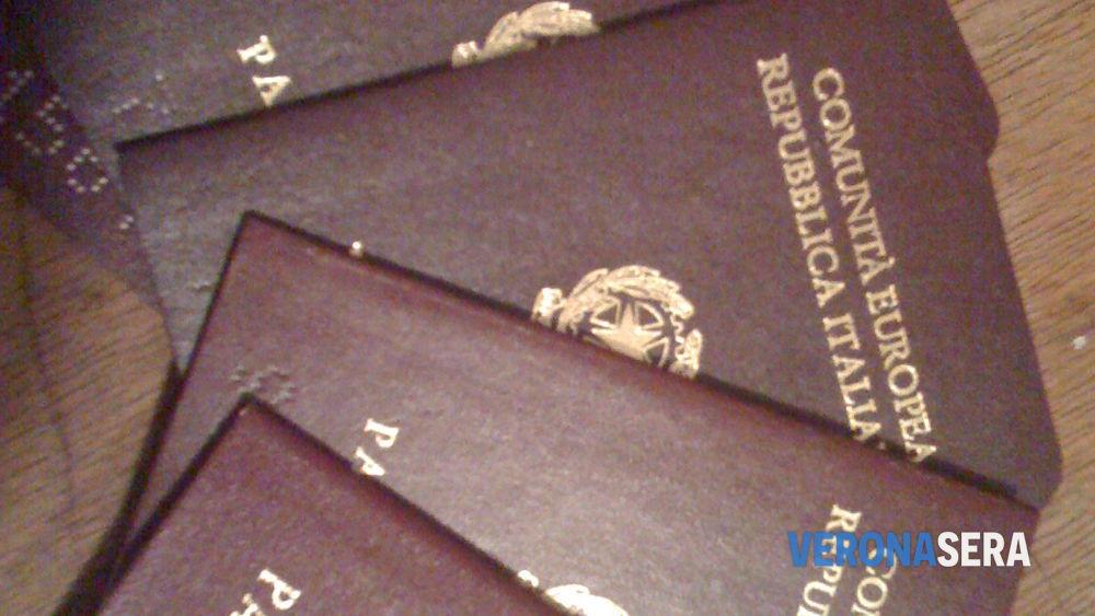 Ufficio Passaporti A Catania : Aeroporto di catania trovato musulmano con passaporto falso che