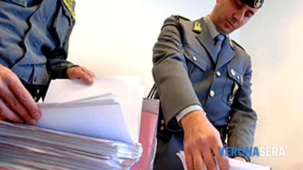 Documenti falsi per ottenere il permesso di soggiorno. Coinvolto ...
