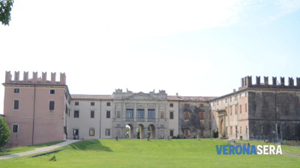 Materassi Castel D Azzano.Castel D Azzano Scritte Mafiose Sul Municipio E Minacce Al